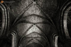 vaulted,ceiling,roof,arch,columns,rock,stone,mysterious,dark,St. Giles,cathedral,Edinburgh,Scotland