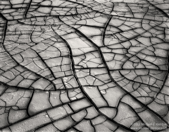 photo, picture, black and white, b/w, b&w, lareg format, salt, sodium chloride, encrusted, crystals, mud, cracks, fractures, Badwater Basin, Death Valley, lines, patterns, texture, white, b&w, photo