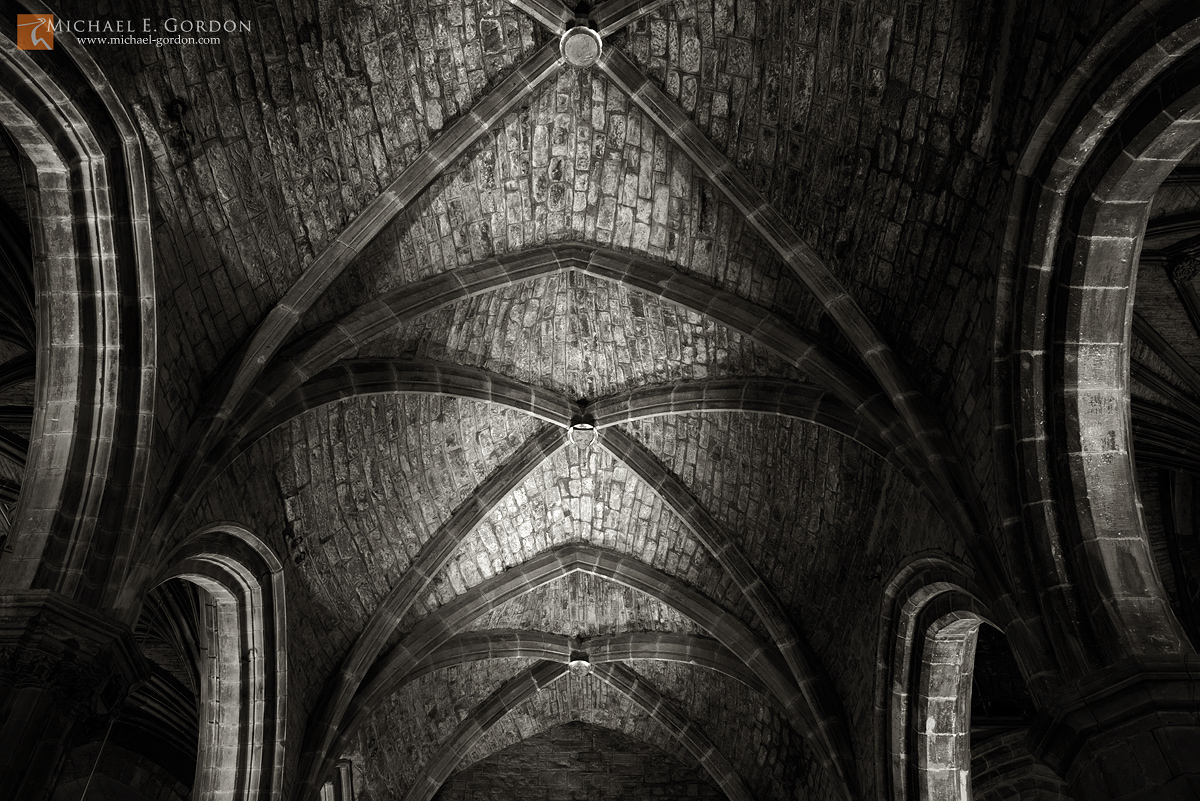 vaulted,ceiling,roof,arch,columns,rock,stone,mysterious,dark,St. Giles,cathedral,Edinburgh,Scotland, photo