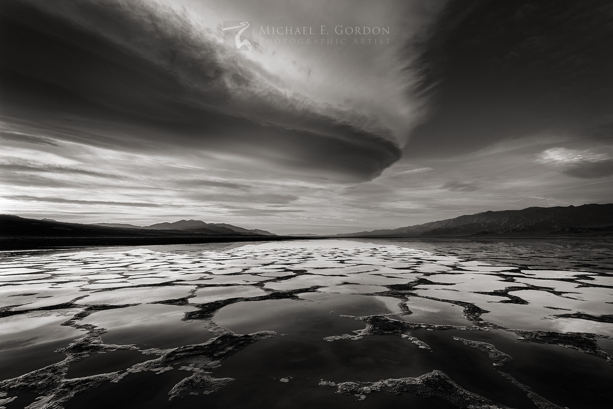 Wild, lenticular, clouds, sunrise, flooded, Death Valley, Panamint Mountains, Black Mountains, photo
