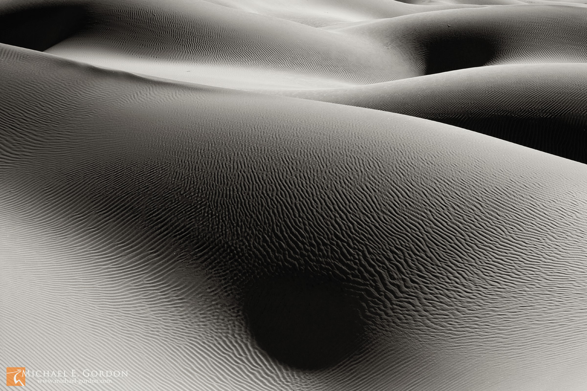 photo,picture,abstract,sand dunes,form,shadows,sunbathing,naked,skin,human,Mesquite Dunes,Death Valley, photo