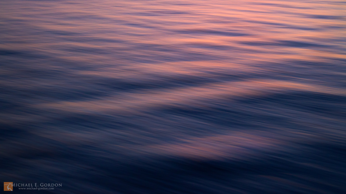 color,photo,picture,Pacific Ocean,waves,ripples,current,reflection,wind,breeze,motion,study,blue,pink,magenta,red,blur,soft,peaceful,calm,tranquil, photo